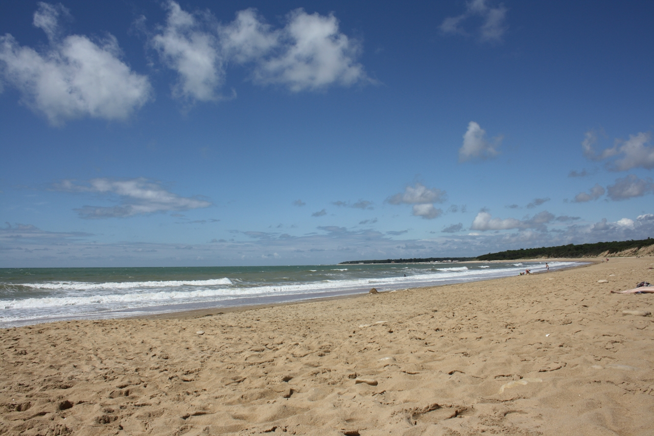 The long sandy beach at La Faute sur Mer